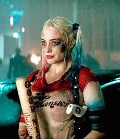 Read HARLEY QUINN, TWO! suicide squad gif series by obriehs (ً) with reads. harley when you tr. Tatuaje Harley Quinn, Harley Quinn Tattoo, Harley Quinn Drawing, Harley Quinn Comic, Harley Quinn Cosplay, Joker Cosplay, Arlequina Margot Robbie, Actress Margot Robbie, Margot Robbie Harley Quinn