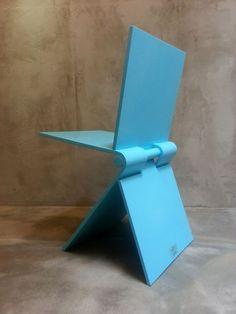 Bruno Ninaber voor Artifort - stokstoel model 020. Is this metal?, Would love to see this outdoors