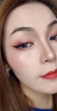 Makeup Korean Style, Asian Makeup Looks, Korean Eye Makeup, Makeup Eye Looks, Eye Makeup Art, Simple Eye Makeup, Makeup Eyes, Makeup For Asian Eyes, Vintage Eye Makeup