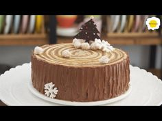 Mocha Stump cake chocolate coffee chiffon roll cake Bûche de noël chocolat cafe 摩卡树桩蛋糕巧克力咖啡戚风卷蛋糕 - YouTube Holiday Desserts, No Bake Desserts, Delicious Desserts, Chocolate Coffee, Chocolate Cake, Bolo Mocha, Baking For Beginners, Cookie Tutorials, Gluten Free Cakes