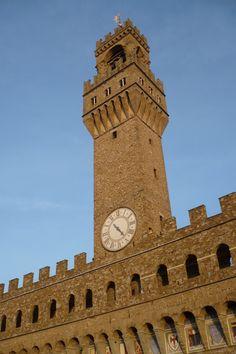 La bella torre di Arnolfo, svetta su Palazzo Vecchio