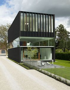 House Heran, by Caan Architects  Bem funcional...
