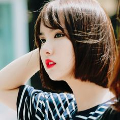 gfriend's eunha packs Kpop Girl Groups, Korean Girl Groups, Kpop Girls, Girls In Love, Cute Girls, Bob Hairstyles, Straight Hairstyles, Short Hair Cuts, Short Hair Styles