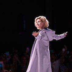 c0d33a89738 Jodie Whittaker makes der Doctor debut at this year s Her Universe Fashion  Show. Brilliant!
