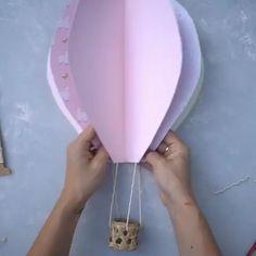Paper Hot Air Balloons - New Ideas Hot Air Balloon Paper, Diy Hot Air Balloons, Hot Air Ballon Diy, Hot Air Ballon Nursery, Hot Air Balloon Craft For Kids, Hot Air Balloon Classroom Theme, Baby Shower Balloons, Birthday Balloons, Balloon Decorations