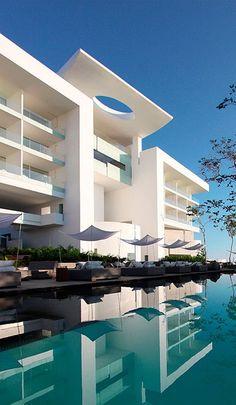 Hotel Encanto Acapulco | Architect Miguel Ángel Aragonés