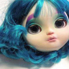Working on a little #mermaid . #wip #icydolls #customdoll #customicy #customicydoll #makeupdolls #makeup #ooakdoll #doll #carvingdolls