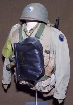 29th infantry division WWII - Google Search British Uniforms, Ww2 Uniforms, Military Uniforms, Normandy Invasion, Us Air Force, Us Army, World War Two, Warfare, Wwii