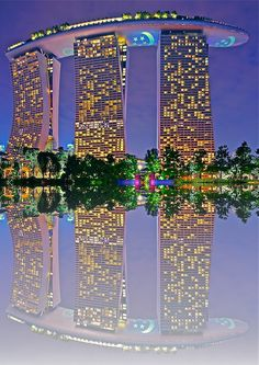 This is absolutely the most beautiful hotel ever! Marina Bay Sands, Singapore - Triple Star Hotel by Sim Kim Seong. Beautiful Hotels, Beautiful World, Beautiful Places, Amazing Hotels, Amazing Places, Places Around The World, The Places Youll Go, Around The Worlds, Beautiful Architecture
