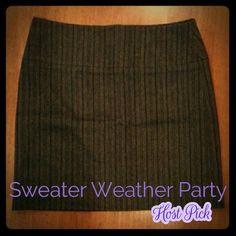 ✨Host Pick✨ Banana Republic wool skirt Charcoal gray wool skirt with black stripes. Fully lined. Hidden back zipper. Banana Republic Skirts