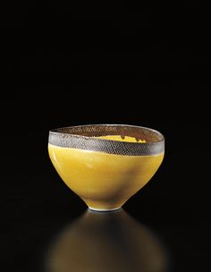 @@ LUCIE RIE Oval bowl, circa 1976