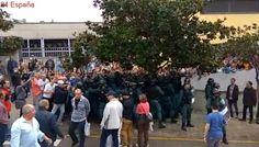 Varios vídeos muestran a agentes de los Mossos y de la Guardia Civil encarándose