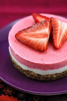 vegan/candida-friendly/gluten-free: raw strawberry cheesecake. Made this today and it's really easy and yummy.