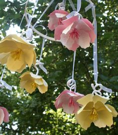 Pink and Yellow Paper Flower Mobile - Project Nursery Hanging Flowers, Paper Flowers Diy, Handmade Flowers, Flower Crafts, Diy Paper, Fabric Flowers, Paper Crafts, Diy Crafts, Diy Hanging