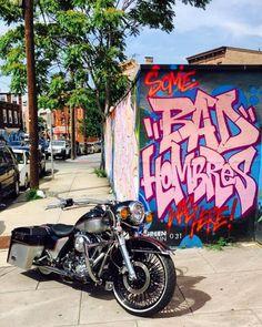 "Credit to @lukapher1596 ===================== Follow & Tag ""HD Tourers and Baggers"" on Instagram Facebook Twitter & across the Web. ===================== #hdtourersandbaggers ===================== #instamotogallery #instamoto #motorcycles #harleydavidson #roadkingclassic #roadking #roadglide #streetglide #softail #showoffmyharley #harleysofinstagram #harleylife #bikelife #bikersofinstagra #bikestagram #motorcyclelife #harleyriders #customharley #throttlezone #harleydavidsonnation…"