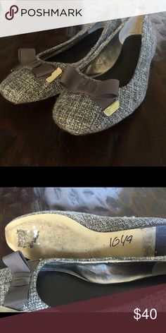 Banana republic gently worn tweed flats Great work shoes...worn just a couple times in excellent condition. Banana Republic Shoes Flats & Loafers