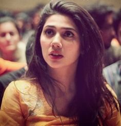 Famous Pakistani showbiz celebrities And Dramas Actress Beautiful Artist