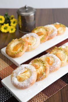 Kysnuté koláčiky s tvarohovým pudingom a ovocím