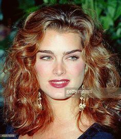 American actress Brooke Shields, circa Get premium, high resolution news photos at Getty Images Balayage Hair Blonde, Brown Blonde Hair, Ombre Hair, Brooke Shields, Vaquera Sexy, Le Jolie, Stunning Eyes, Grunge Hair, Beauty Women