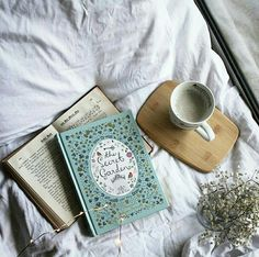 ❁ Pinterest // ravenbless23 ❤ Photo by @never_too_many_books on Instagram