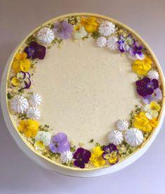 Solerokage – nøddebund med vanilje- og passionsfrugtmousse – Sofie Andresen