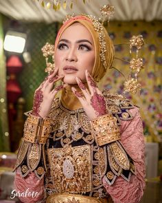 traditional dress Gorontalo
