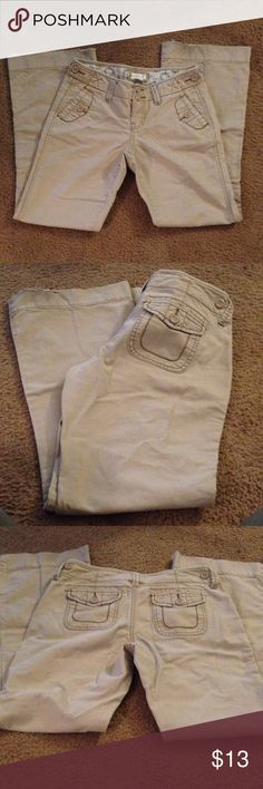 Maurice's khakis size 3/4 short! Adorable Maurice's khakis. Size 3/4short. Minor wear at bottoms otherwise great condition! Maurices Pants Boot Cut & Flare