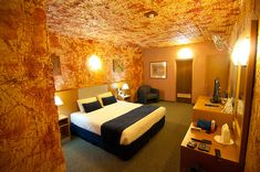 A very unique experience awaits at this underground hotel in Coober Pedy South Australia. South Australia, Western Australia, Australia Travel, Underground Hotel, Places Ive Been, Places To Go, Cave Hotel, Construction, Roadtrip