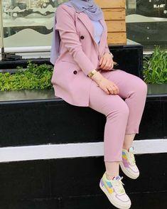 Modest Fashion Hijab, Modern Hijab Fashion, Abaya Fashion, Muslim Fashion, Mode Outfits, Fashion Outfits, Blazer Outfits Casual, Business Outfits Women, Abaya Mode