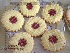 sables a la confiture gateaux de l'aid 2014.CR2 Eid Cake, Algerian Recipes, Honey Cake, Ramadan Recipes, Italian Desserts, Middle Eastern Recipes, Peanut Butter Cookies, Cheesecake, Dessert Recipes