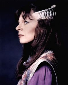 """Delenn (Mira Furlan) of Babylon 5. Again with that whole """"ladies who are fierce and awesome without being warriors"""" thing. *g* I mean, talk about someone who could turn a situation around with her words! Delenn is so gorgeously flawed, incredibly regal and down to earth (or Minbar, I suppose?) all at once, and just...pretty much everything I tend to love in a female character."""