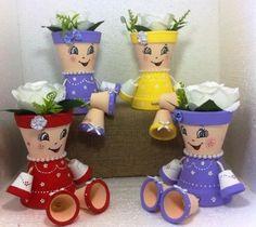 Little people clay pot planters Flower Pot Art, Clay Flower Pots, Flower Pot Crafts, Clay Pot Crafts, Clay Pots, Crafts To Do, Clay Pot Projects For Garden, Garden Crafts, Flower Pot People
