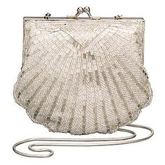 I love the shape of scallop shells, so I really adore this 1920s vintage style beaded scallop shell wedding purse!!