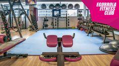 Egurrola Fitness Club w Warszawie. Wyposażenie: SportsArt, ekspertfitness.com