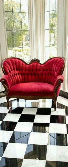 How To Integrate Unique And Modern Victorian Style Furniture Into Your Home Victorian Style Furniture, Modern Victorian, Classic Furniture, Victorian Interiors, Victorian Decor, Victorian Christmas, Classic Home Decor, Classic House, Diy Chair