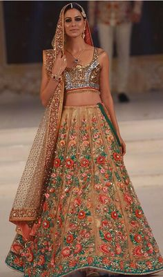 All Ethnic Customization with Hand Embroidery & beautiful Zardosi Art by Expert & Experienced Artist That reflect in Blouse , Lehenga & Sarees Designer creativity that will sunshine You & your Party Worldwide Delivery. Abaya Fashion, Fashion Wear, Indian Fashion, Ethnic Fashion, Pakistani Couture, Pakistani Bridal Wear, Indian Lehenga, Lehenga Saree, Indian Dresses