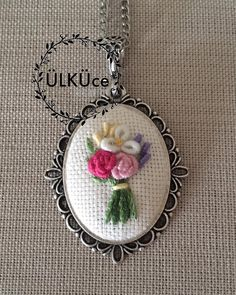 #gül #rose #nakışkolye #nakış #rokoko #kolye #kolyetasarimlari #necklace #flower#flowernecklace #embroiderynecklace #kaneviçe…