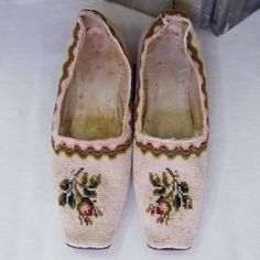 pettipoint slippers 1835-1847