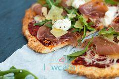 Knusprige Low Carb Pizza aus Kokosmehl. Ohne Blumenkohl, Thunfisch, Sauerkraut, Quark oder sonstige Dinge die sich besser als Belag machen.