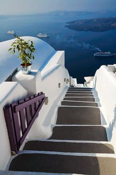 Mykonos is so beautiful, it is no accident that it has become one of the most desired destinations in the world. Places Around The World, Oh The Places You'll Go, Places To Travel, Places To Visit, Around The Worlds, Travel Destinations, Beautiful World, Beautiful Places, Amazing Places