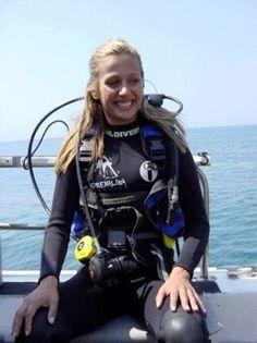 Scuba Wetsuit, Diving Wetsuits, Scuba Diving Gear, Sea Diving, Mermaid Cove, Diving Suit, Womens Wetsuit, Diving Equipment, Diving