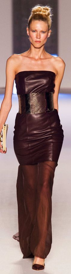 BORDEAUX, WINE & PURPLE | Aigner Collection Spring 2015 Ready to wear