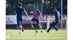 L'allenamento del 16 novembre Turin, Soccer, Club, Sports, November, Hs Sports, Futbol, Soccer Ball, Excercise