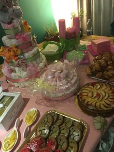 Many ideas for a perfect baby shower female  #baby #ideas #babyshower #pink #amazing #female #girliscoming #party #cake #sweets