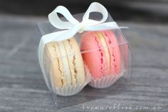 Transparent macaron box by BrownieBliss on Etsy Macaron Packaging, Baking Packaging, Cookie Packaging, Macaroon Favors, Macaroon Box, Valentines Sweets, Valentine Cookies, Macaroons, Macaron Recipe