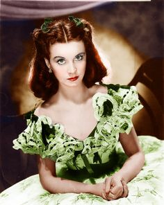 So goodbye Yellow brick Road - Vivian Leigh - one of the most beautiful and talented Hollywood actress. Lost her beloved husband Sir Laurence Olivier because of her severe manic-depressive bipolar illness. Died of tuberculosis at a later age. Golden Age Of Hollywood, Hollywood Glamour, Hollywood Stars, Old Hollywood, Classic Hollywood, British Actresses, Hollywood Actresses, Actors & Actresses, Classic Actresses