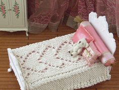 Ravelry: Be mine knitted bedspread for dolls pattern by Tracey Marsden