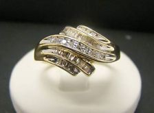 SOLID 10K YELLOW GOLD DIAMOND 3.1g RING BAND .15 CTTW BAGUETTE ROUND SIZE 8.75