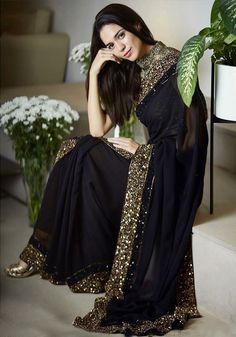 f8c3739bae4 Brighten up your whole look with this effortlessly elegant saree! Price  Rs. 4420