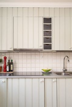 Kök Kitchen Cabinets, Home Decor, Decoration Home, Room Decor, Cabinets, Home Interior Design, Dressers, Home Decoration, Kitchen Cupboards